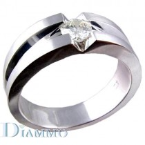Gents ring with a single Round Brilliant Diamond Center